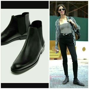 ESSENTIAL Genuine Leather Black Ankle Boot